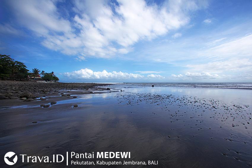 Tempat Wisata Pantai Medewi Bali