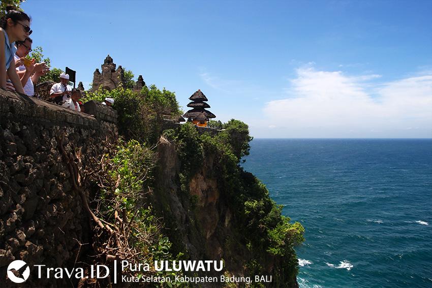 Tempat Wisata Pura Uluwatu, Bali, Indonesia