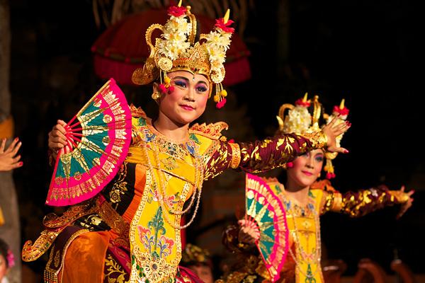 Wisata Seni Budaya Indonesia