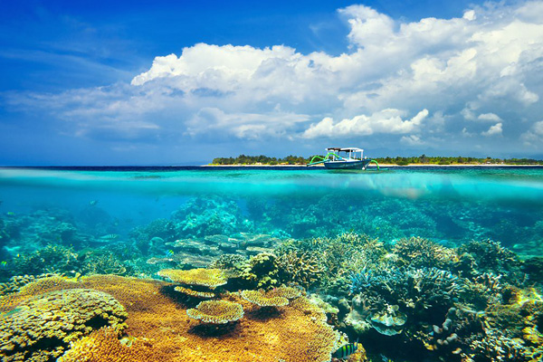 Wisata Bahari Indonesia