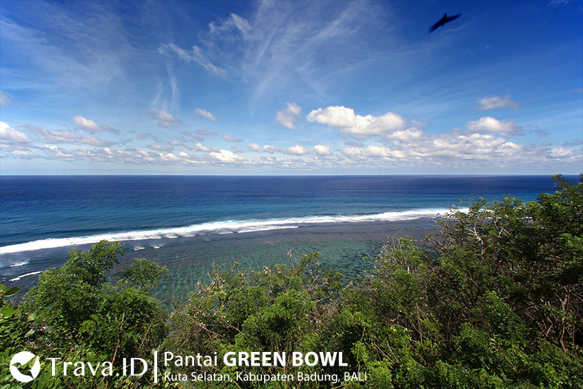Pantai Green Bowl Bali dari Puncak Tebing