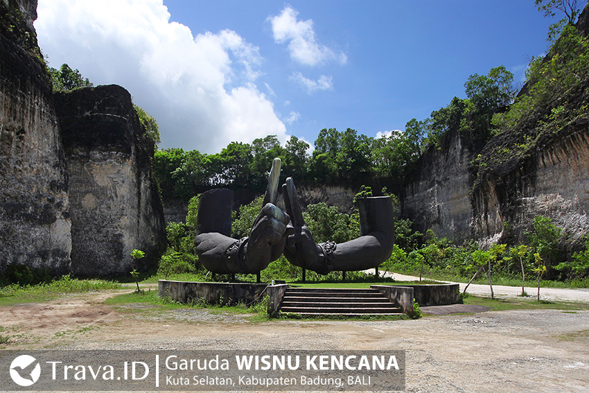 Patung Tangan Wisnu di Garuda Wisnu Kencana Bali