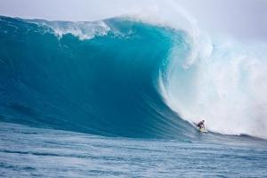 surfing-di-nihiwatu